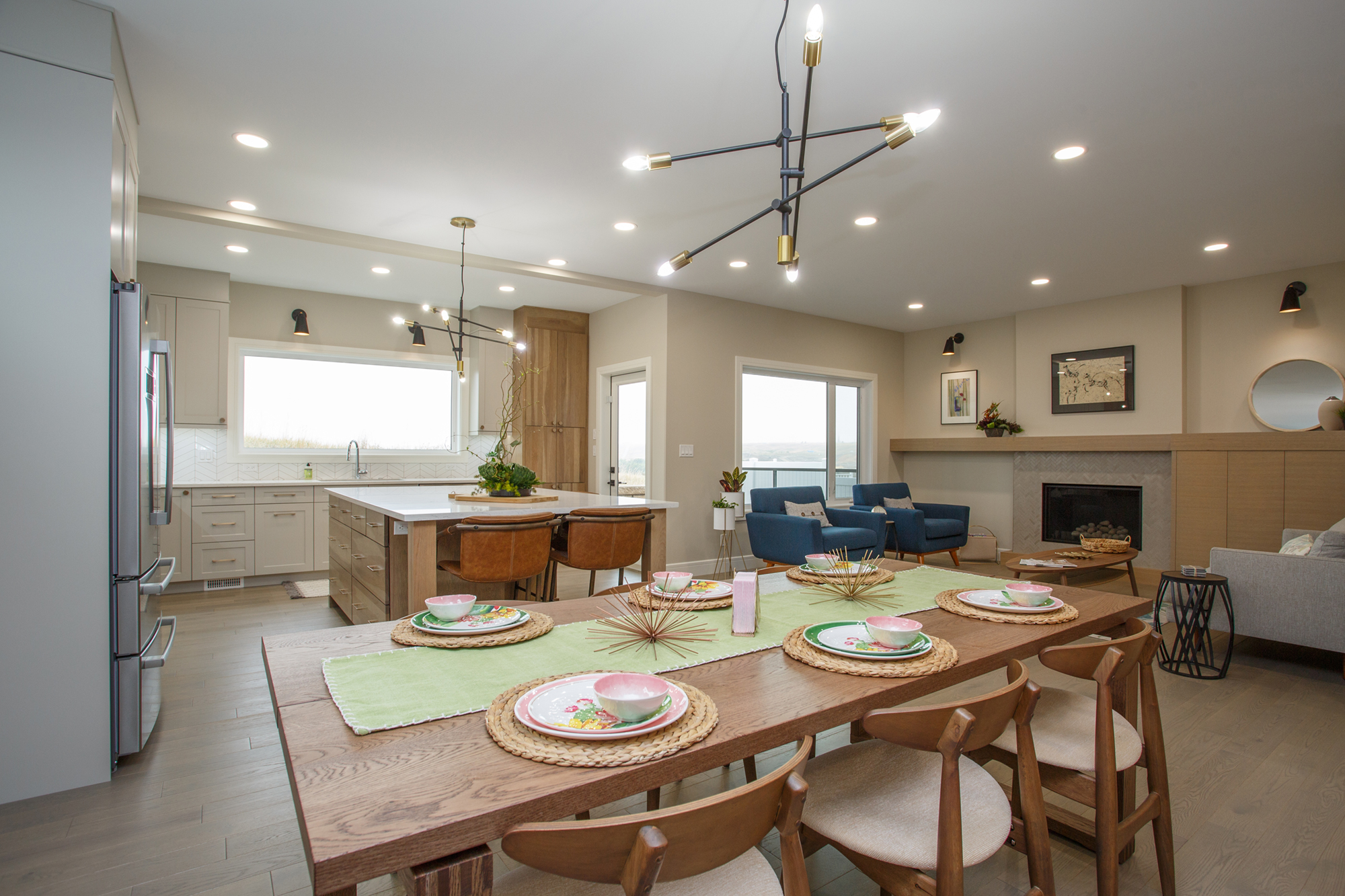 115 Ranchview Custom Home Dining Room by Mulder Builders
